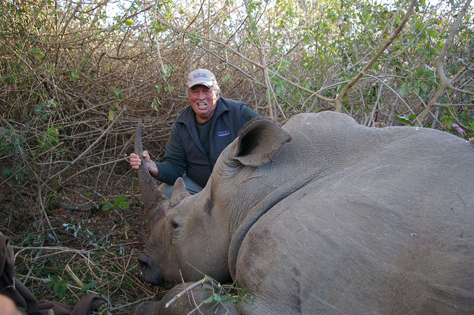 Green-Hunt-for-Rhino-in-South-Africa.jpg