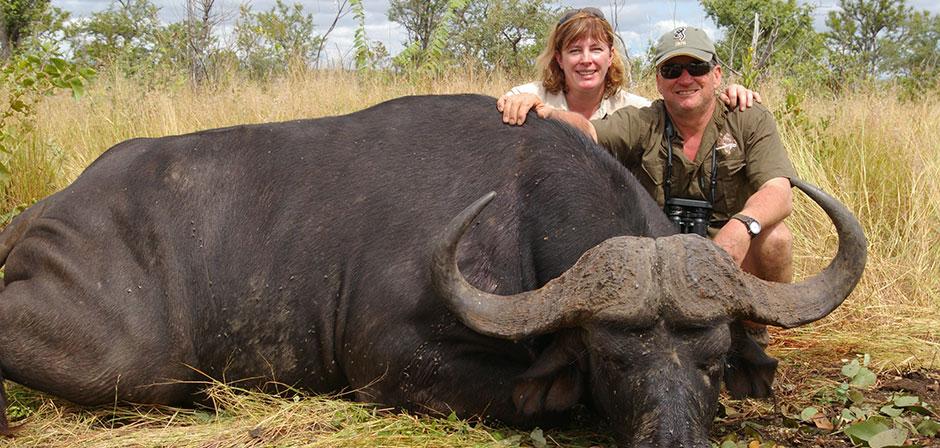 African Dangerous Game Hunting Safaris | Cape Buffalo, Leopard, Hippo, Crocodile, Elephant